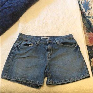 Tommy Hilfiger boyfriends jean shorts